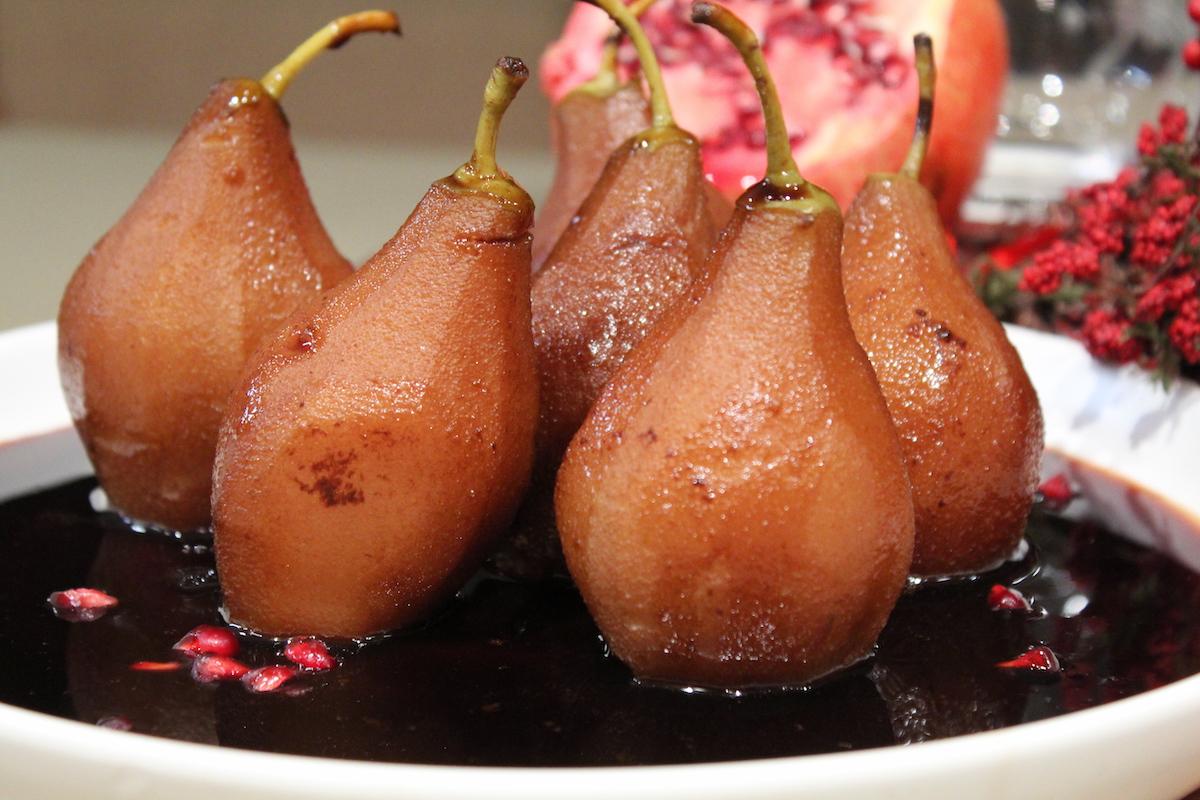 Αχλάδια ποσέ σε χυμό ροδιού