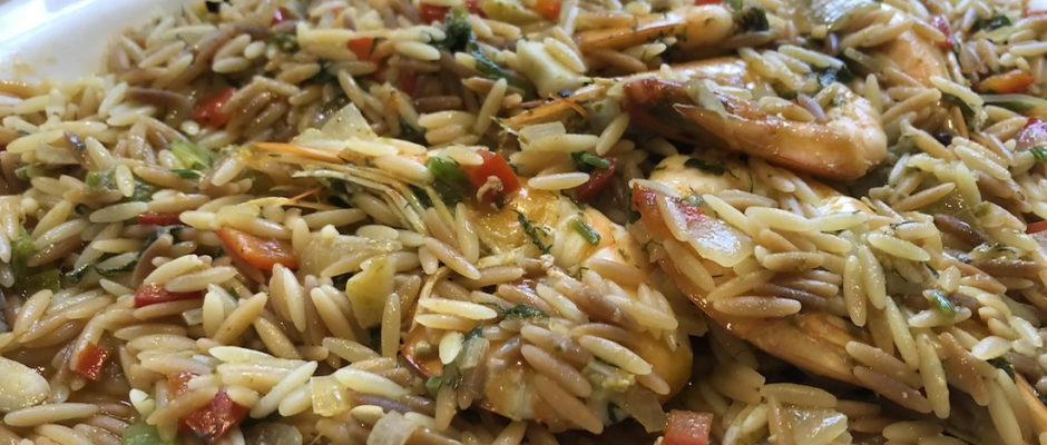 Κριθαράκι με γαρίδες, ντομάτα και φρέσκο κρεμμυδάκι