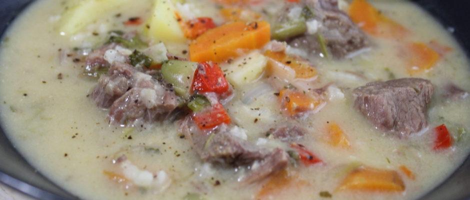 Χειμωνιάτικη κρεατόσουπα με λαχανικά