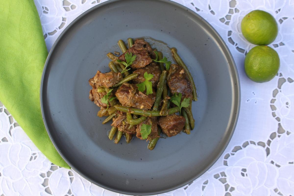 Μοσχαράκι κατσαρόλας με φρέσκα φασολάκια