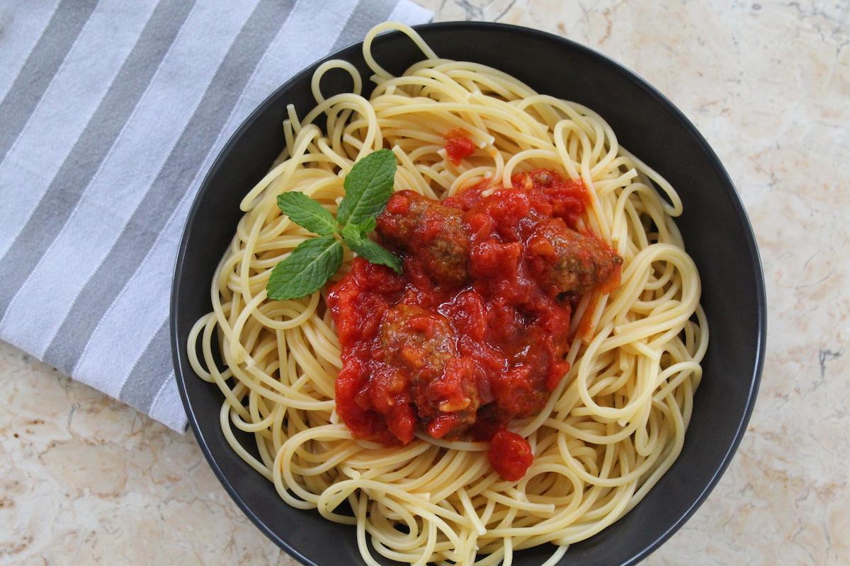 Ιταλική σάλτσα για ζυμαρικά με κεφτεδάκια