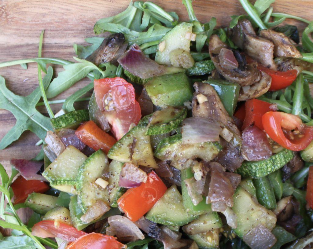 Λαχανικά σοτέ με σουμάκ