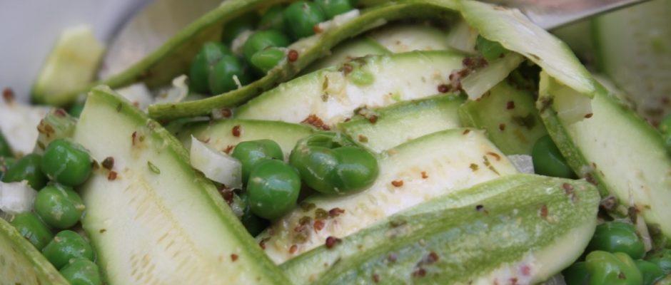 σαλάτα με μαριναρισμένα κολοκυθάκια