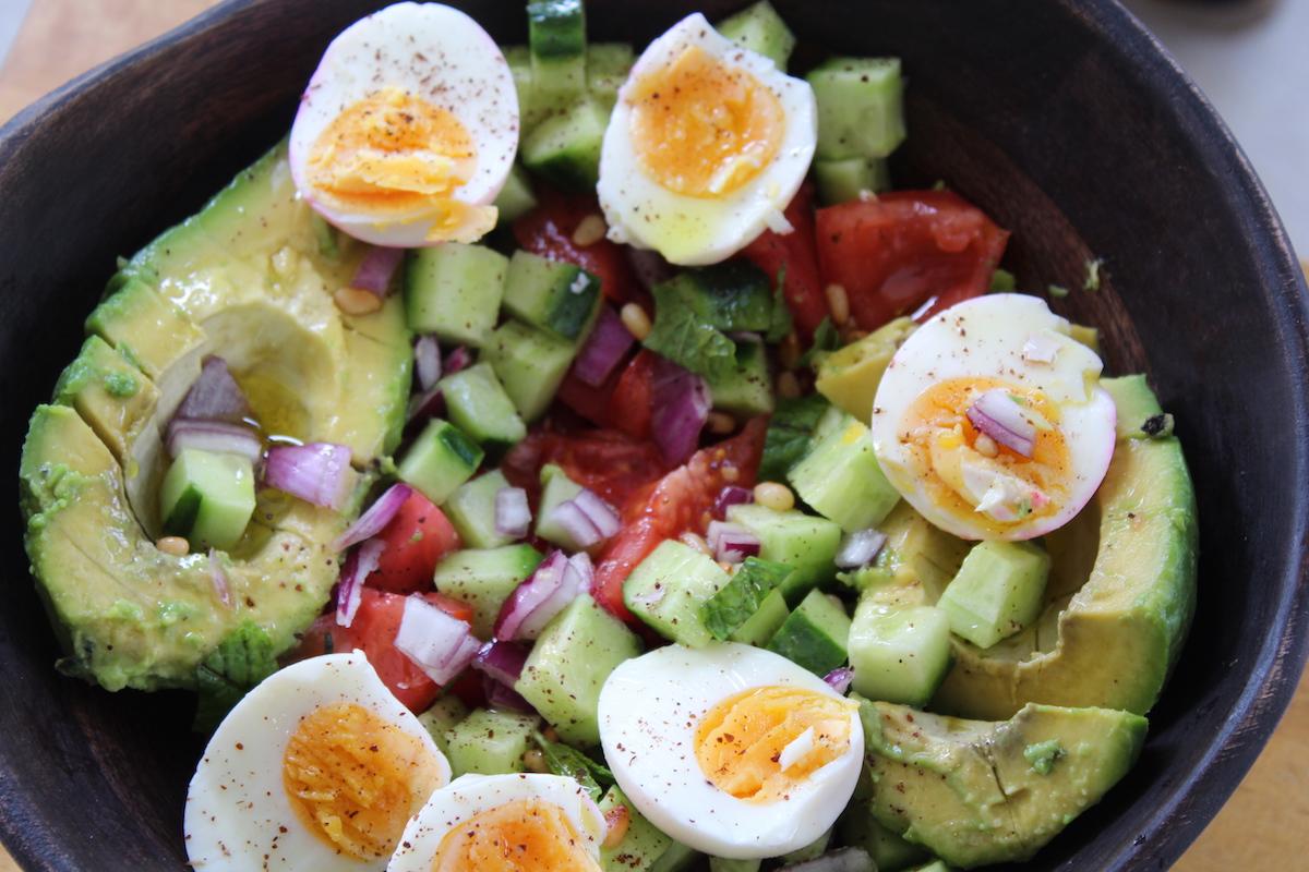 μεσογειακή σαλάτα με αβγά