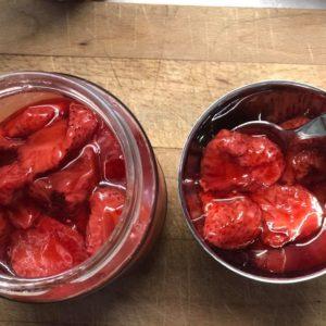 Δροσερή μους με γλυκό κουταλιού φράουλα