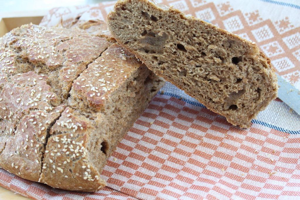 Σπιτικό ψωμί ολικής άλεσης