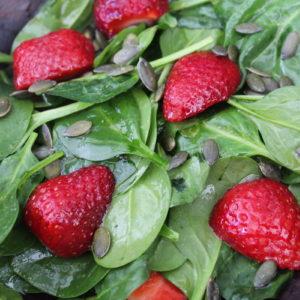 σαλάτα με φράουλες και μέλι