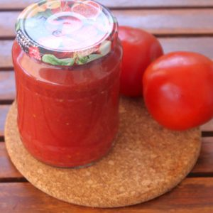 φρέσκια σάλτσα ντομάτας