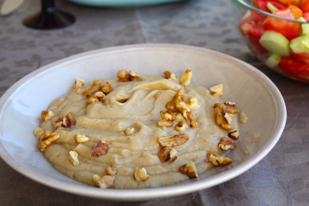 μελιτζανοσαλάτα με καρύδια
