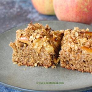 Κέικ ολικής με μήλα και βρώμη
