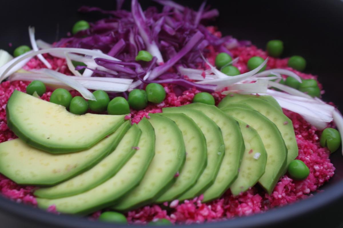 κουνουπίδι ωμό σαλάτα