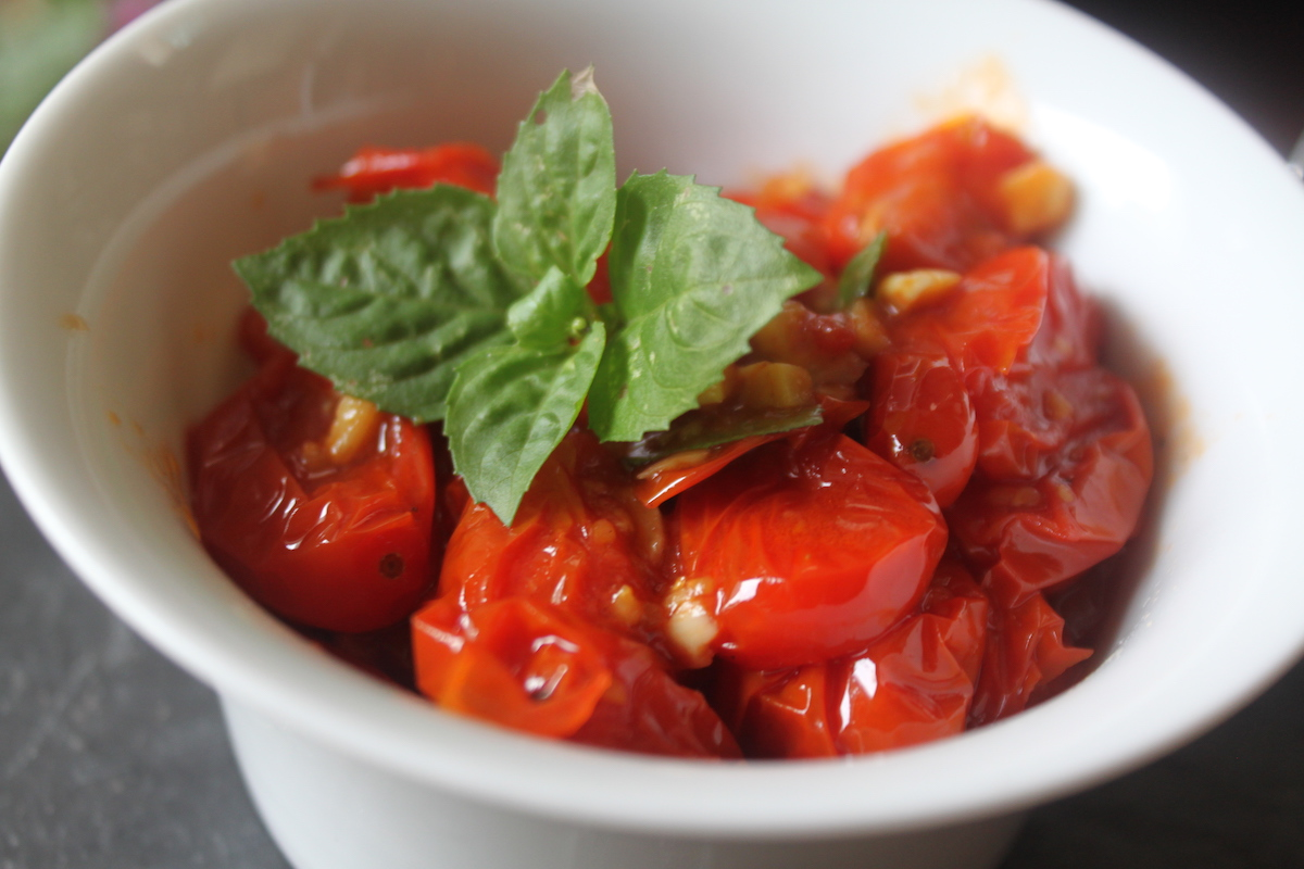 σάλτσα ντομάτας με ντοματίνια