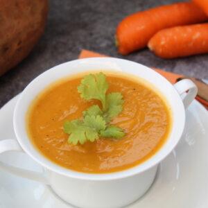 Βελουτέ σούπα γλυκοπατάτας με καρότα