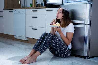 Παχαίνει το άγχος; 6 λύσεις στο πρόβλημα