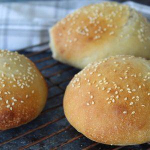 Αφράτα σπιτικά ψωμάκια