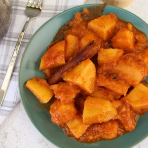 Πατάτες γιαχνί στην κατσαρόλα