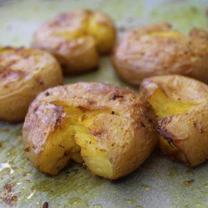 Πατάτες φούρνου τσακιστές (smashed potatoes)